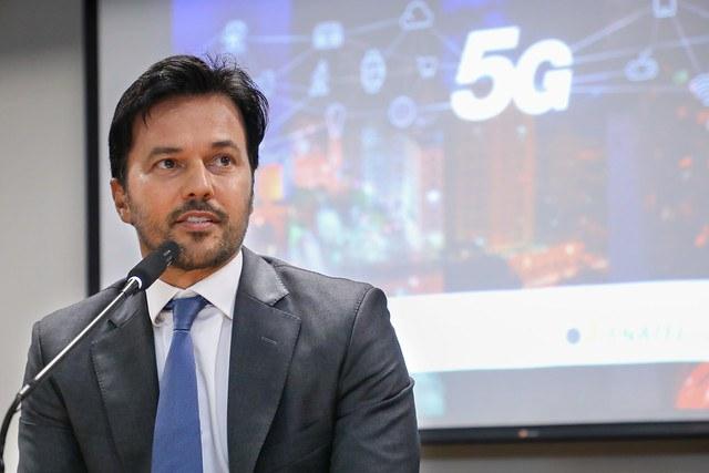 O ministro das Comunicações, Fábio Faria, durante coletiva à imprensa, nesta sexta-feira (26). - Foto: MCom