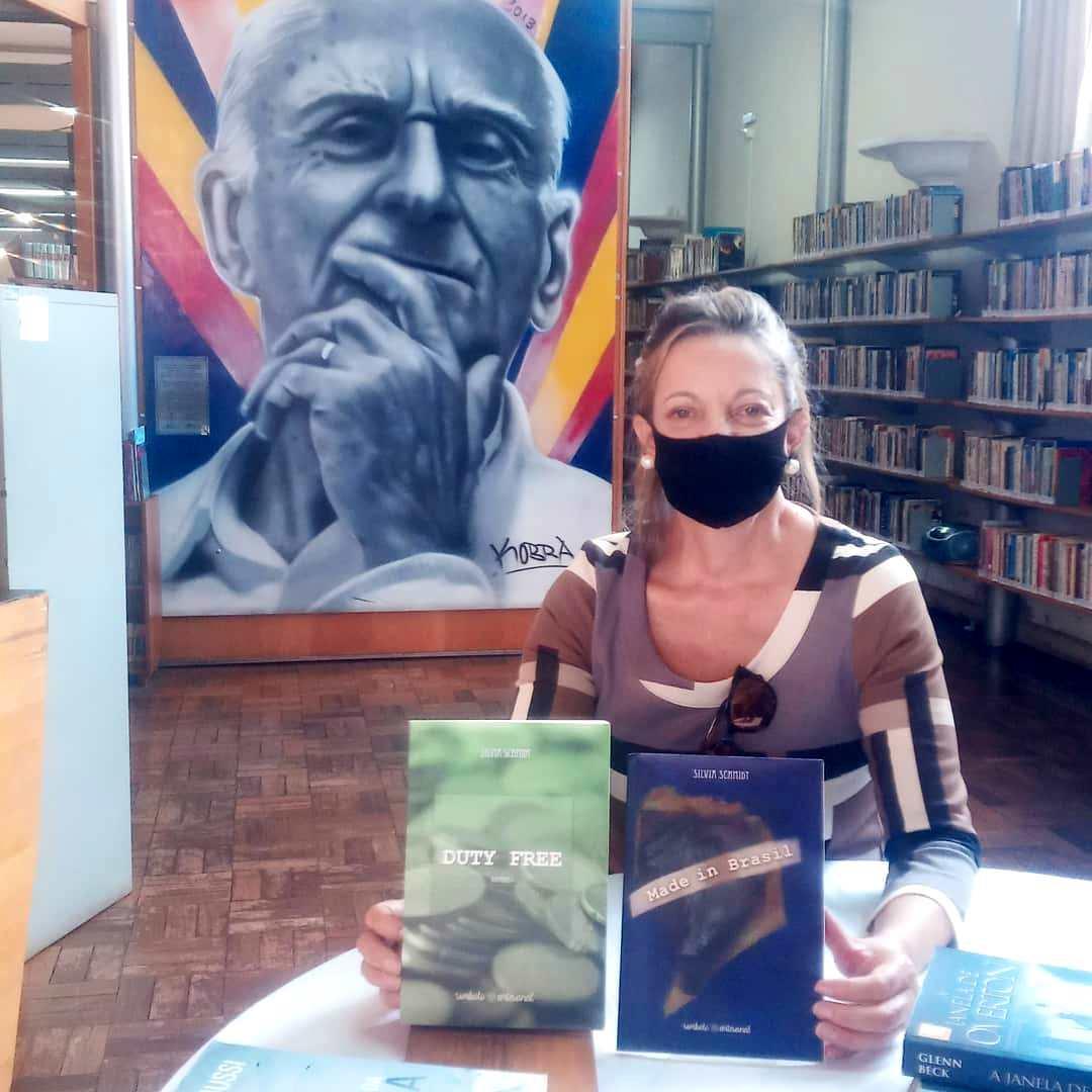 "Silvia Schmidt apresenta seus romances ""Duty Free"" e ""Made in Brasil"""