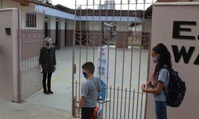Secretaria Municipal de Educação regulamenta ensino híbrido em Poços de Caldas