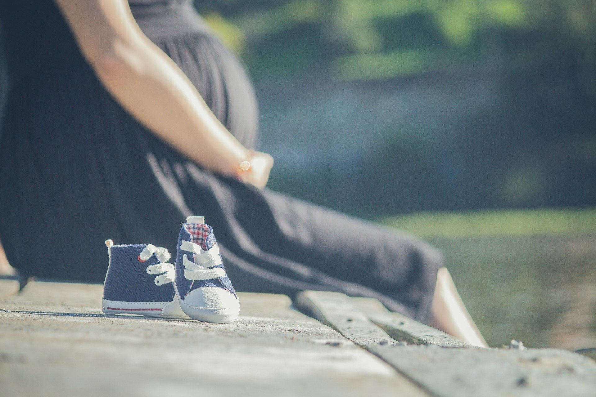 Fecomércio MG solicita que empregada gestante seja remunerada pela licença-maternidade